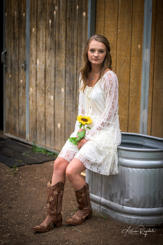 Gorgeous cowgirl senior pictures