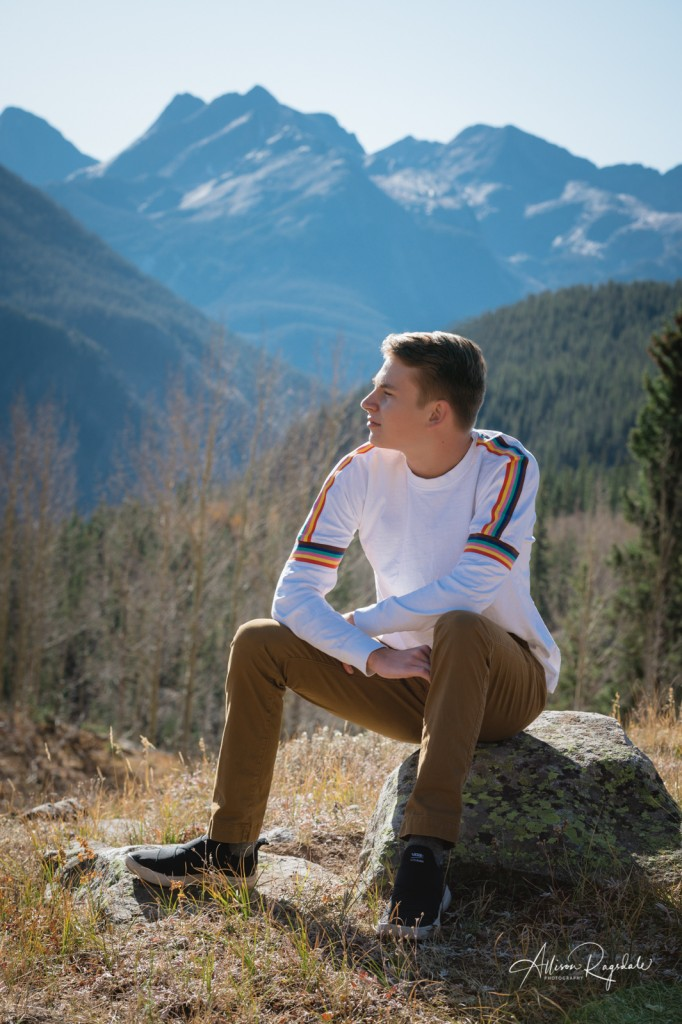 Mountain senior pictures in Colorado