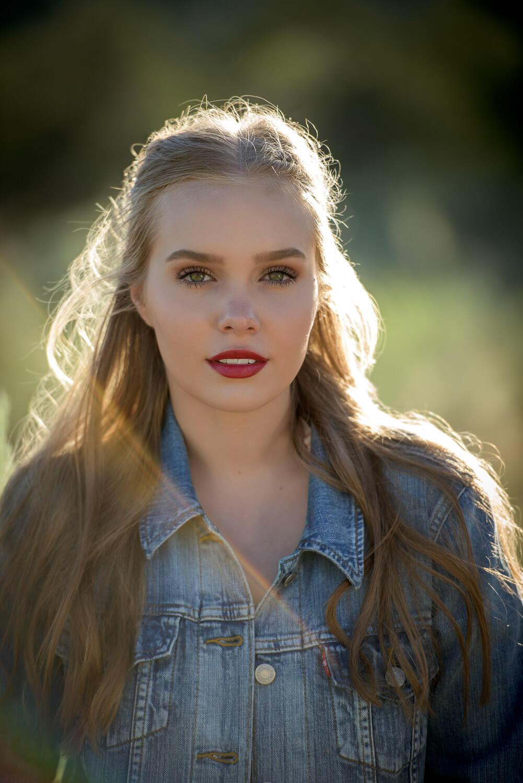Durango Senior Portrait Photographer Allison Ragsdale