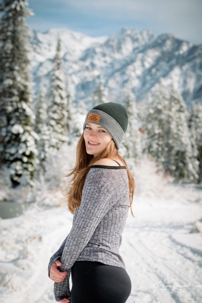 Amazing winter senior photos of girl
