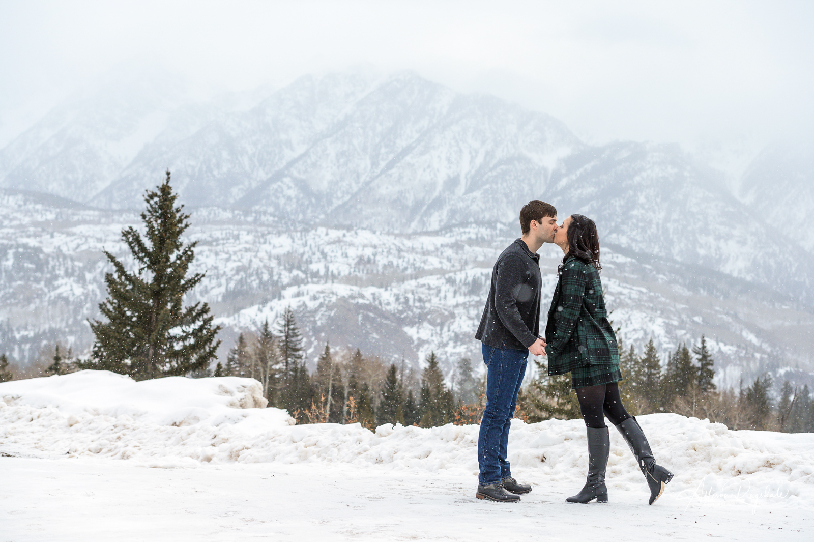 Cute winter engagement photos
