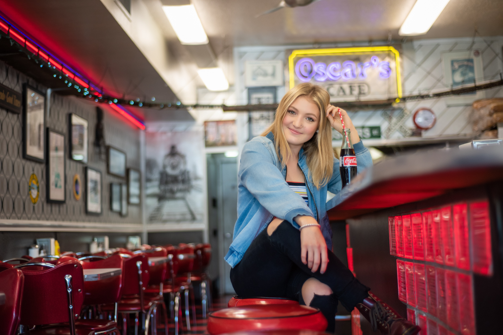 Senior Pictures at Oscar's Diner in Durango, CO