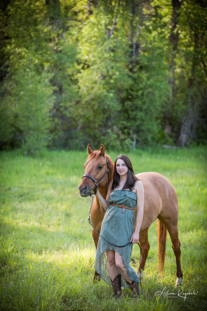 Amazing senior photos with horses