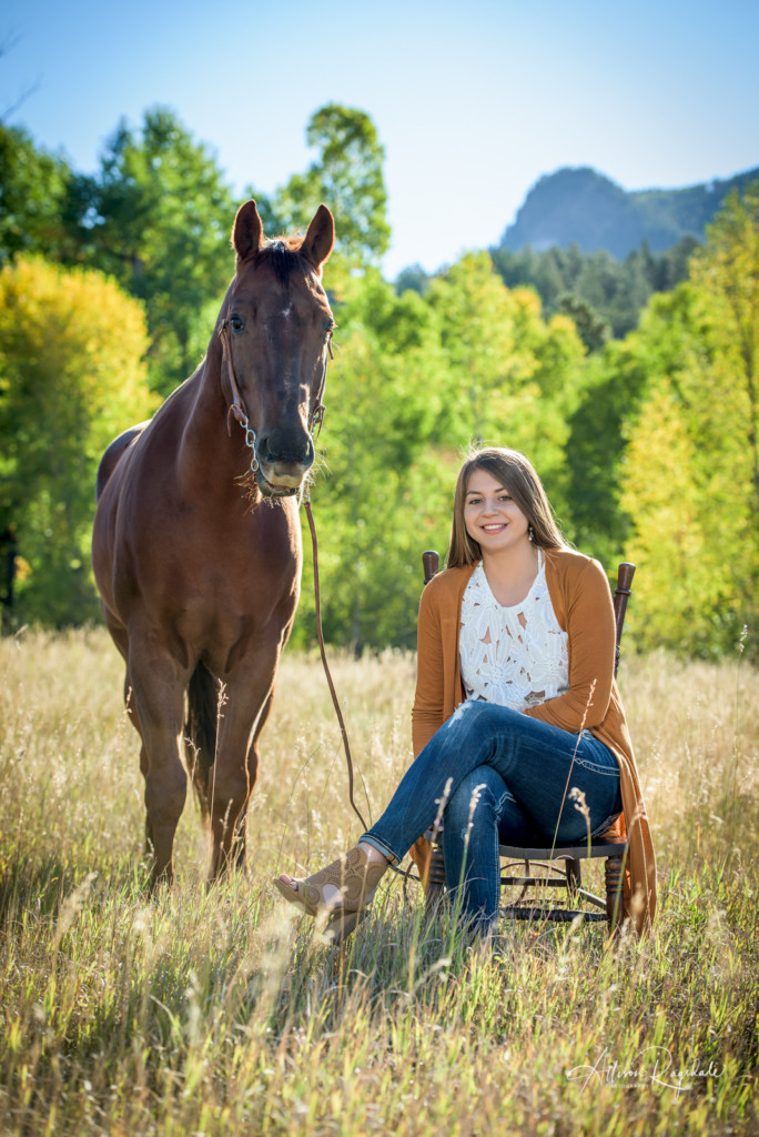 Summer senior photos with horses