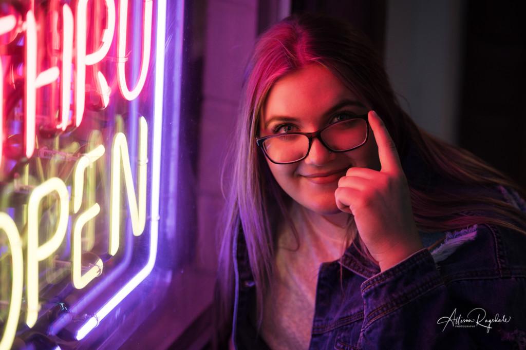 Neon sign senior pictures in Durango
