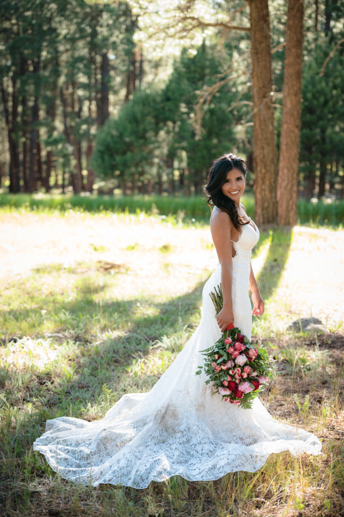 Gorgeous wedding photos in forest