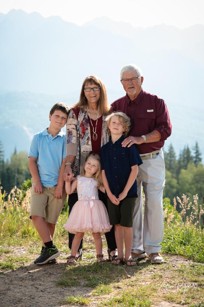 grandparents and grandkids family photo