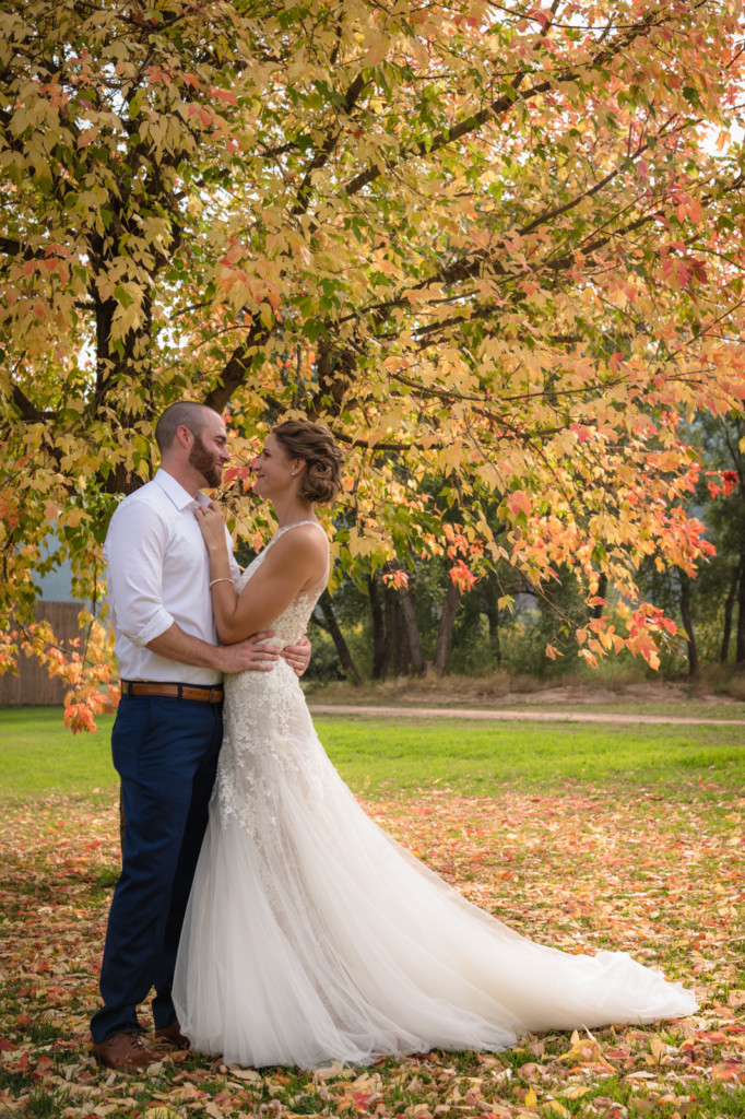 bride and groom photo fall colors durango co river bend ranch wedding picture