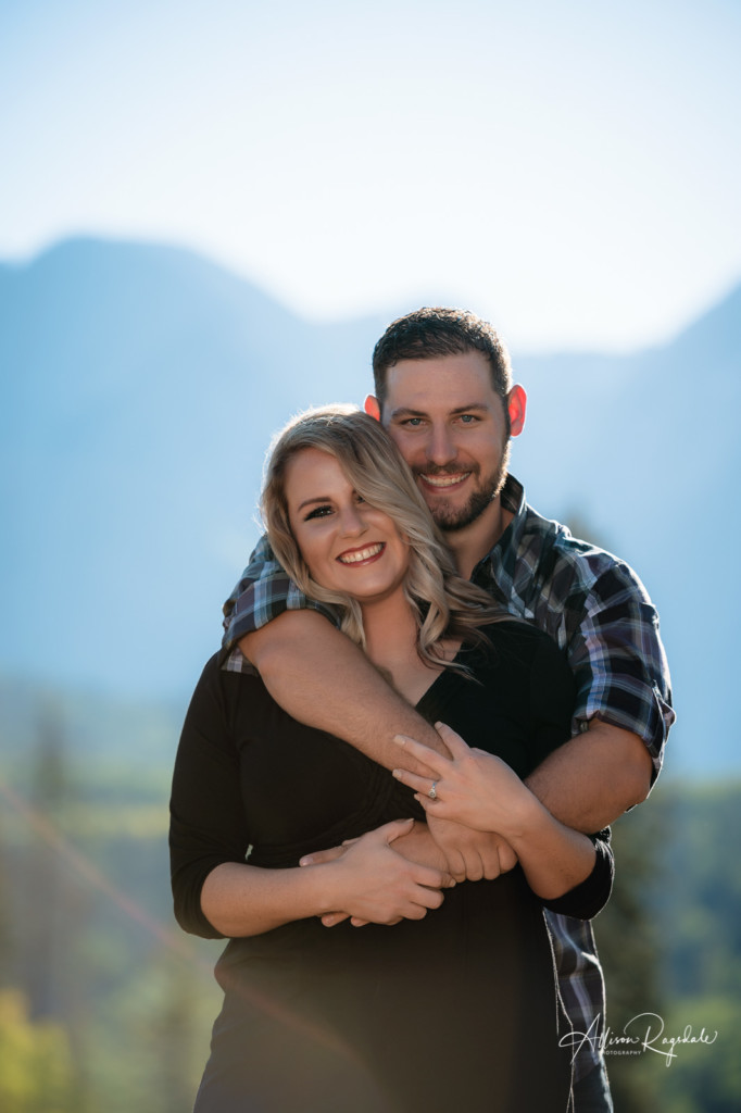 durango colorado mountains engagement couple pic