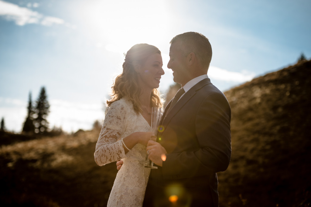 bride and groom sunflare colorado mountains picture
