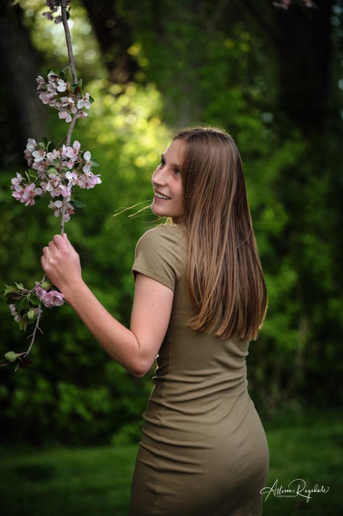 spring blossom branch durango co senior girl class of 2022 picture