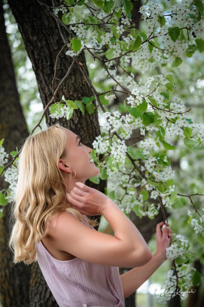 spring blossom senior girl pictures durango co