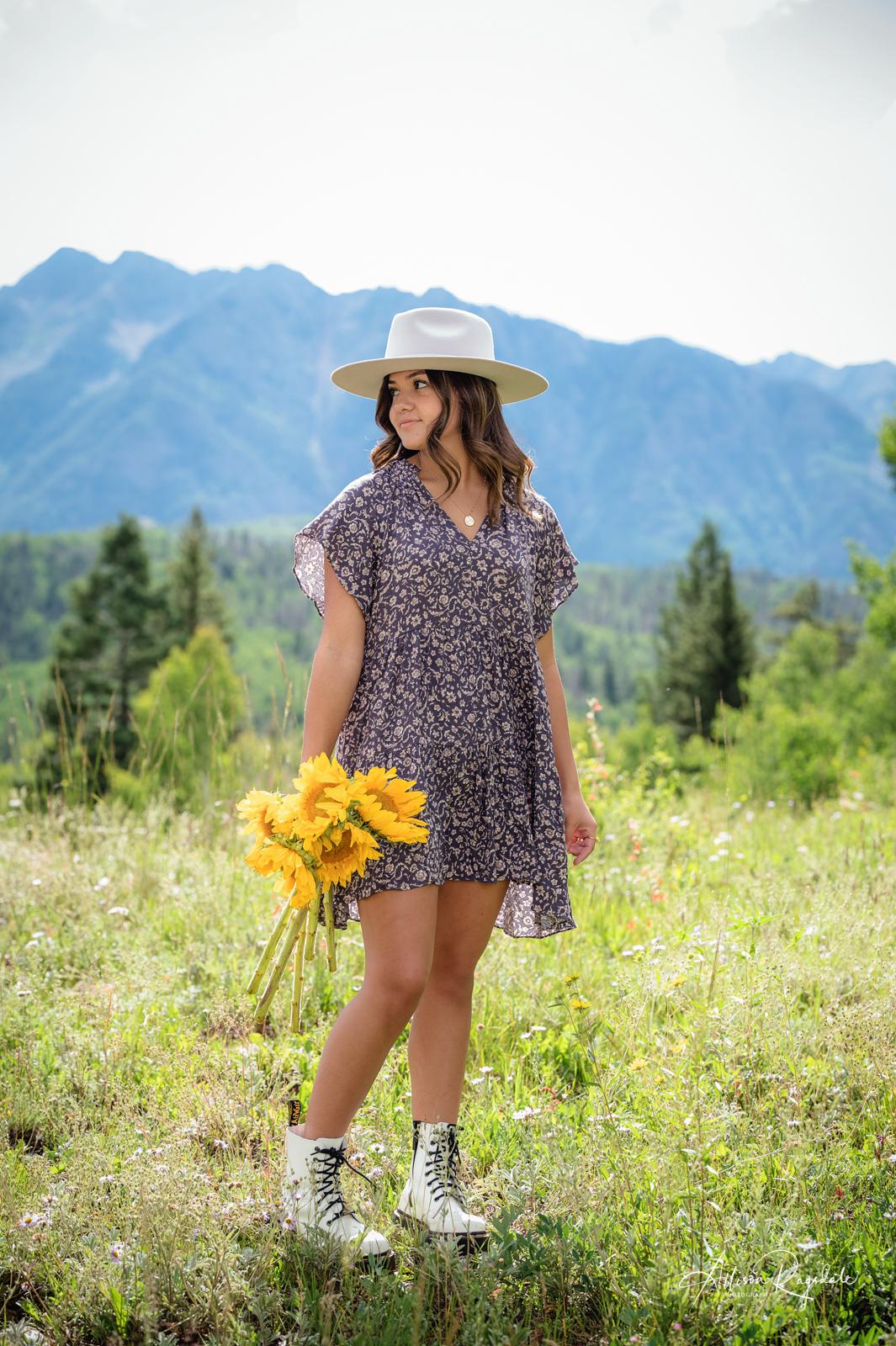 Melanie's Summer Wildflower Senior Photos