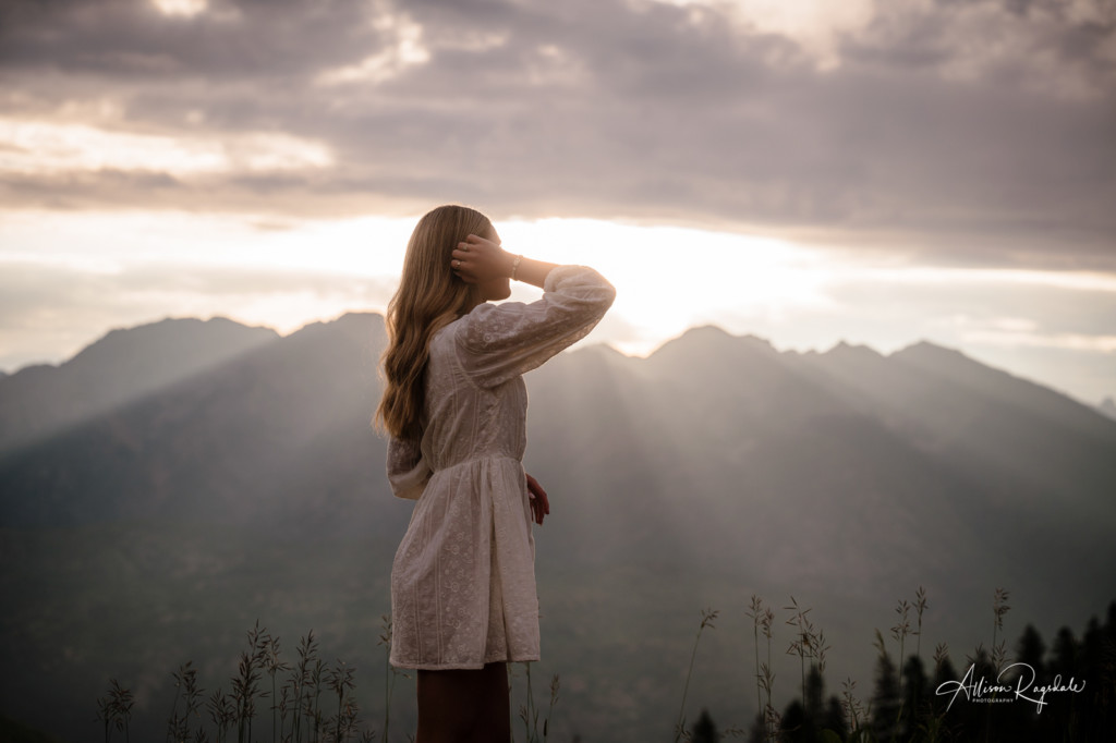 senior girl sunrise session colorado mountains
